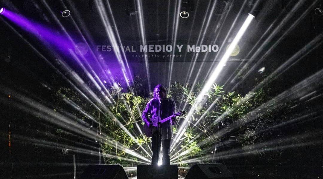 Voz e violão   Festival Medio y Medio