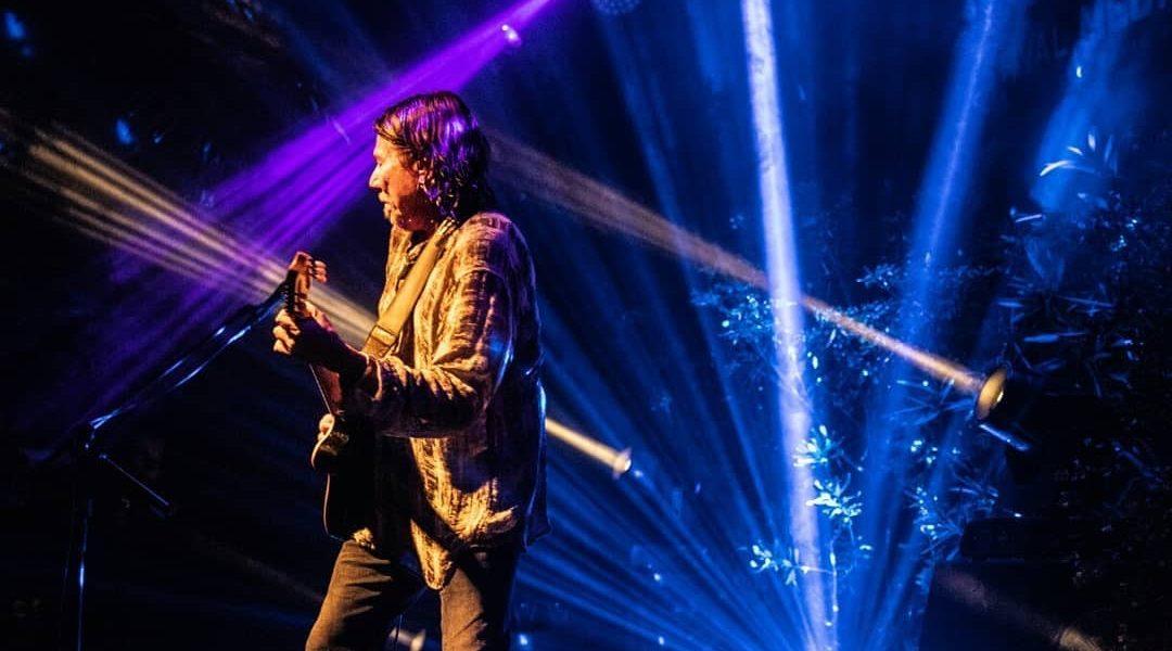 Voz e violão | Festival Medio y Medio
